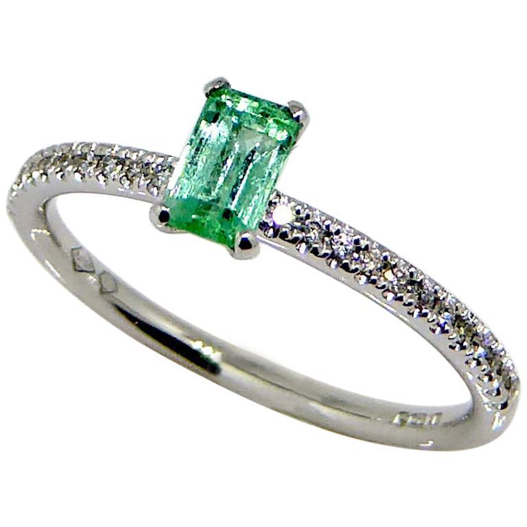 Ring, 18 Carat White Gold, Diamond, Emerald Ring