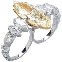 Fancy Light yellow 11,78ct Diamond Ring