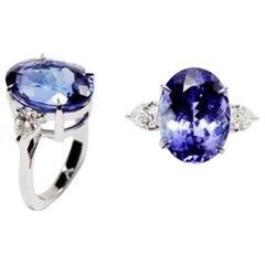 RING 18 Karat White Gold Ring, 12.59 Carat Tanzanite & 1.01 Carat White Diamonds