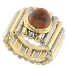 Ring 18 Karat Yellow and White Gold with a Citrine Cabouchon