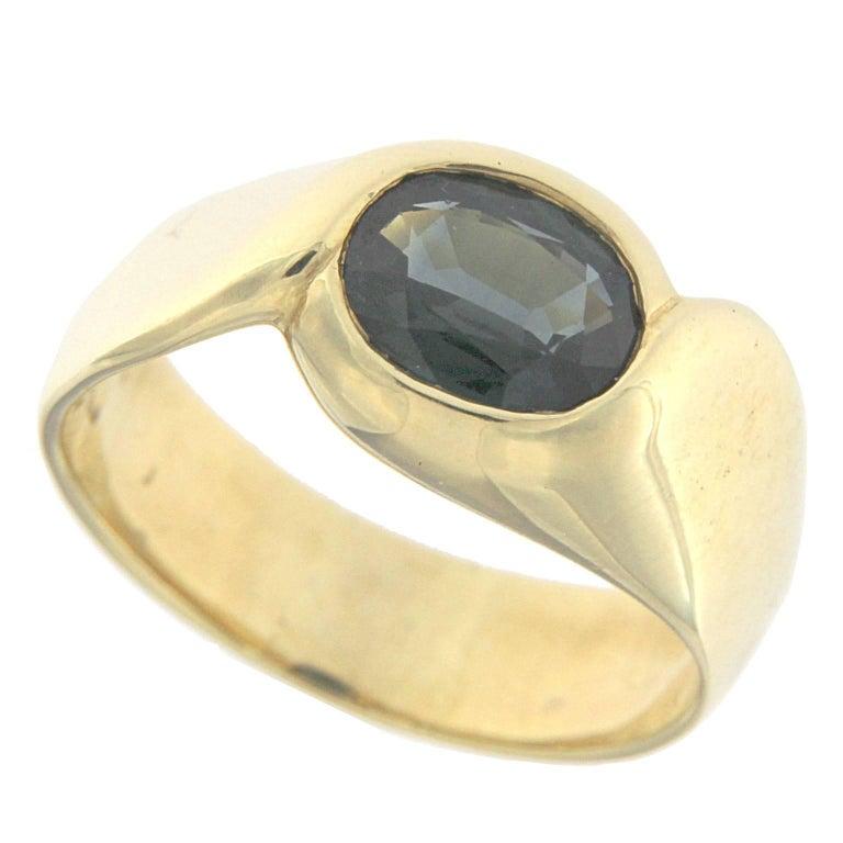 Ring 18 Karat Yellow Gold with Semiprecious Blue Stone
