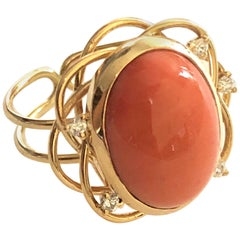 Ring Cabochon Coral and 5 Diamonds Yellow Gold 18 Karat Metric 54