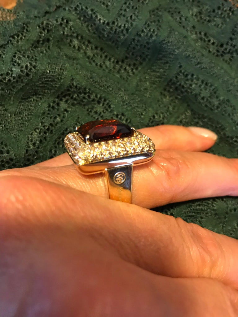Contemporary Brown Diamond Citrine Quartz  18 KT Yellow Gold Made in Italy Ring For Sale
