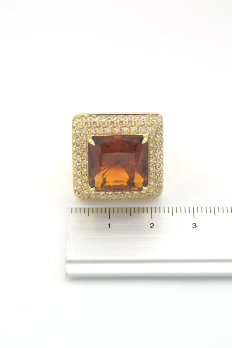 Brown Diamond Citrine Quartz  18 KT Yellow Gold Made in Italy Ring For Sale 1