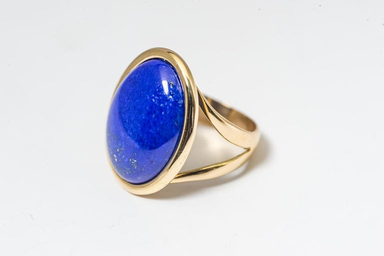 Artisan Ring Cabochon Lapis-Lazuli Mounted on a Yellow Gold For Sale