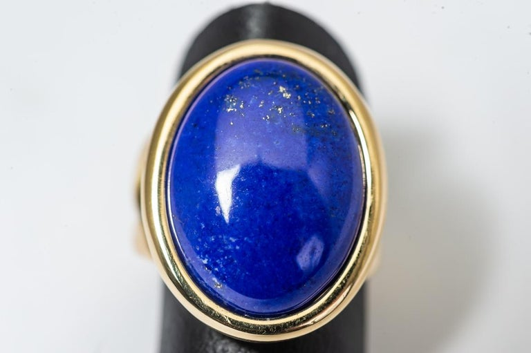 Ring Cabochon Lapis-Lazuli Mounted on a Yellow Gold In New Condition For Sale In Vannes, FR