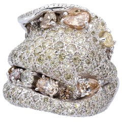 Ring from d'Avossa Masterpiece Rings Collection with Fancy Natural Diamonds
