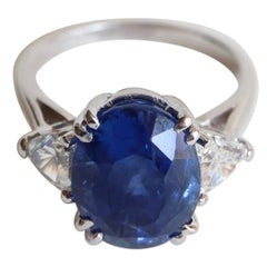 Ring in 18 Carat White Gold Ceylon Natural Sapphire Unheated and Diamonds