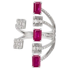 Ring in 18 Karat White Gold with Ruby and Diamond