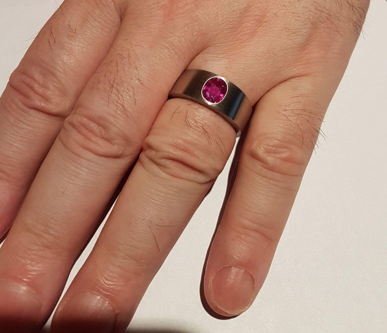Modern Ring Natural Ruby (no heat) Platinum by Wagner Preziosen For Sale