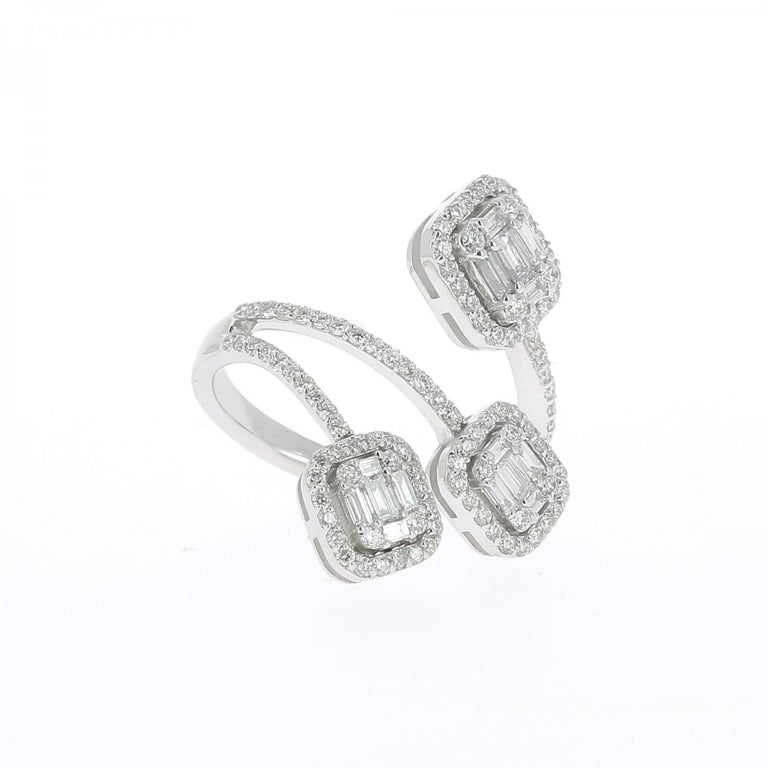 Contemporary 1.08 carats GVS Round/Baguette Diamond Ring Trilogy Illusion Emerald-Cut 18KGold For Sale