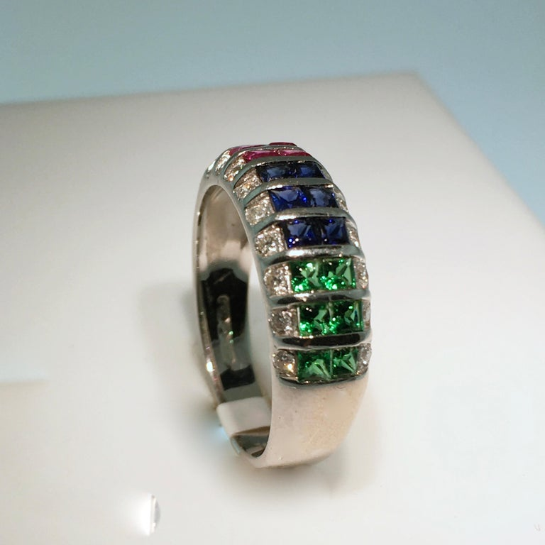 Ring, White Gold, Diamond, Ruby, Emerald, Sapphire In Excellent Condition For Sale In EL Waalre, NL