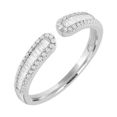 Ring with Diamond in 18k White Gold
