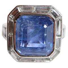 Ring with Diamonds and 17 Carat Ceylon Sapphire 18 Carat White Gold