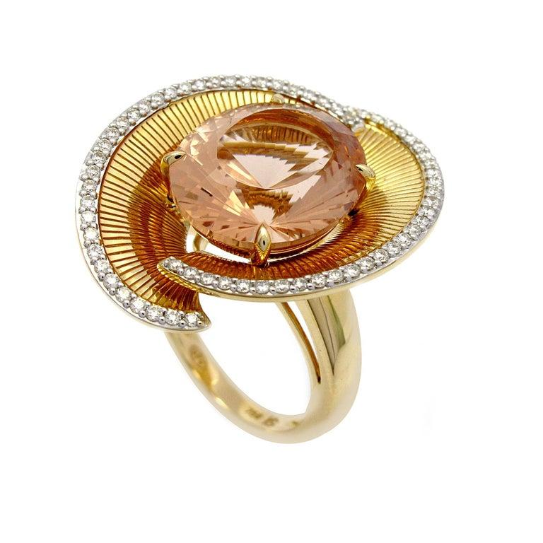 Art Deco Ring Yellow Gold Morganite 7.00 Carat and Diamonds For Sale