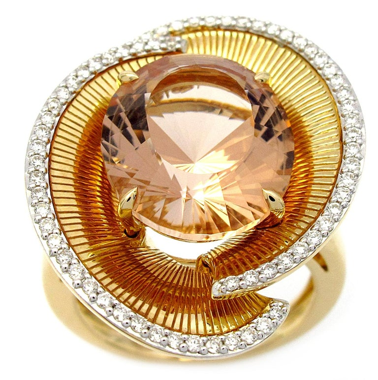 Ring Yellow Gold Morganite 7.00 Carat and Diamonds In New Condition For Sale In Paris, France