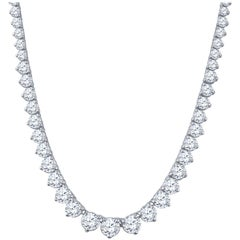 Rivera Necklace with 17.61 Carat Total Weight in Round Diamonds