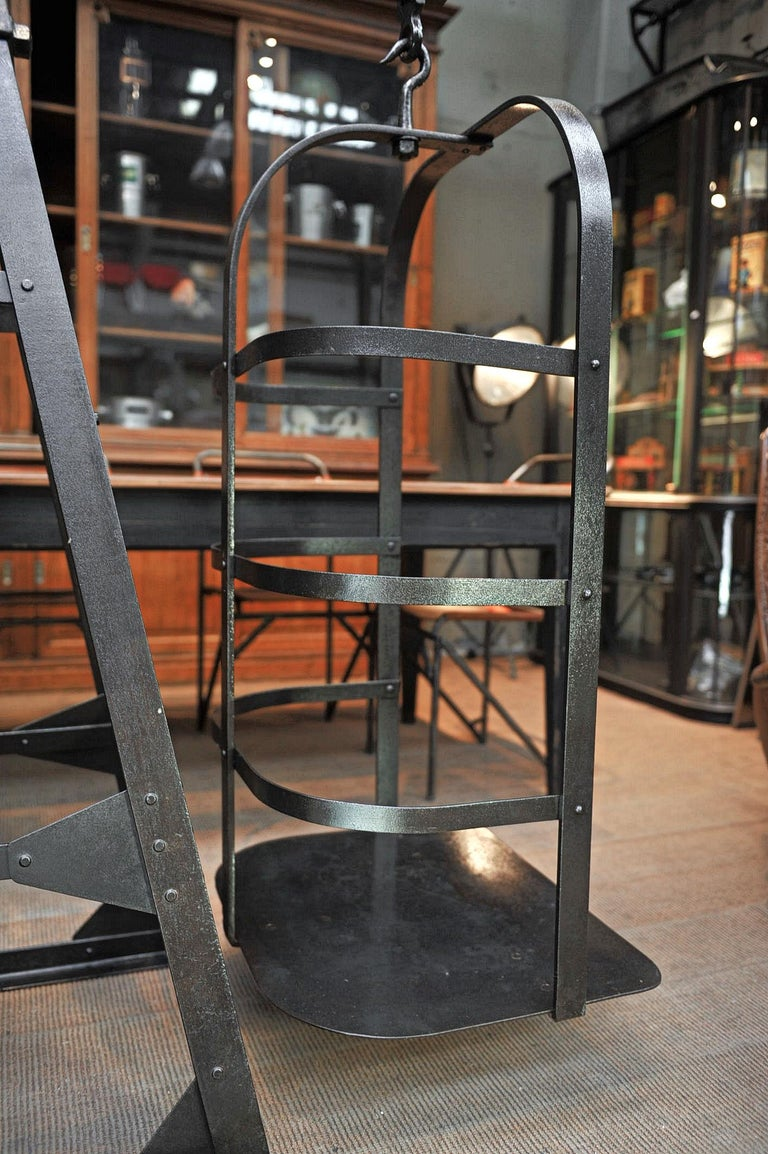 Riveted Polished Iron Commerce Large Scale by J.Bruyninckx & Fils Bruxelles In Excellent Condition For Sale In Roubaix, FR