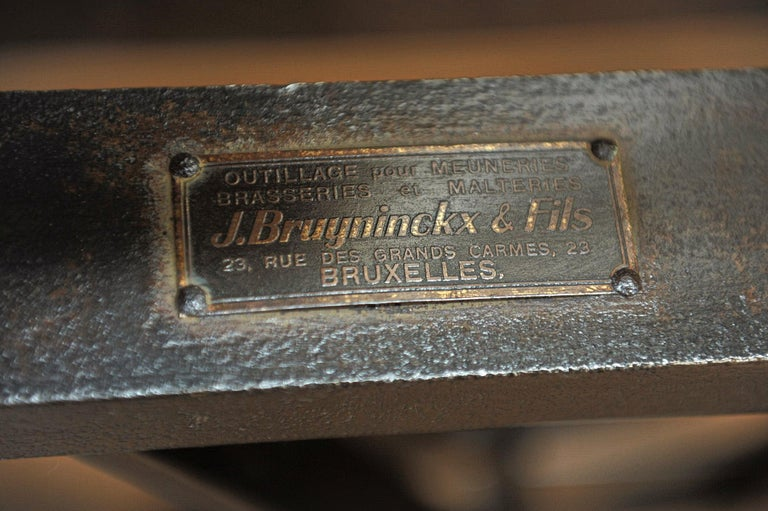 Early 20th Century Riveted Polished Iron Commerce Large Scale by J.Bruyninckx & Fils Bruxelles For Sale