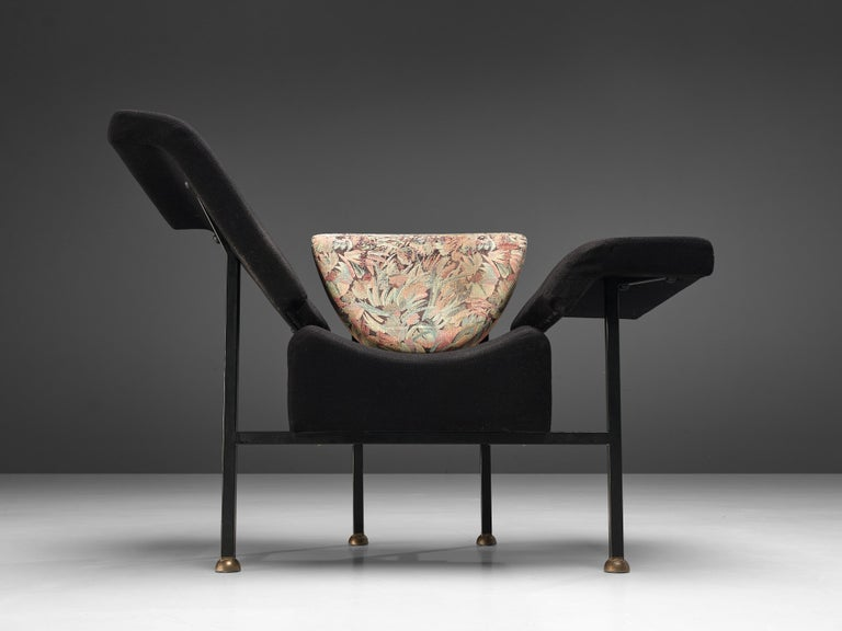 """Late 20th Century Rob Eckhardt for Pastoe Lounge Chair """"Groeten Uit Holland"""" in Original Fabric For Sale"""