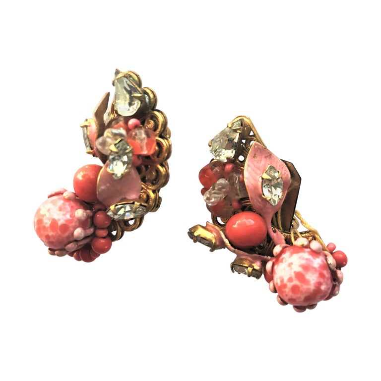 ROBERT ear clips faux coral rhinestone USA 1950s