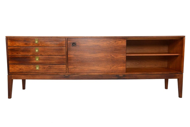 Scandinavian Modern Robert Heritage for Archie Shine Rosewood Credenza For Sale