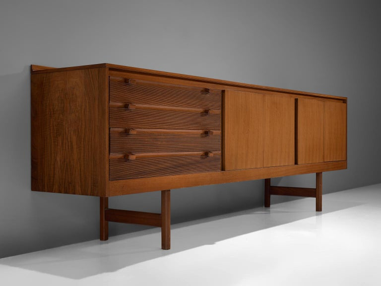 Mid-Century Modern Robert Heritage for Archie Shine Sideboard in Walnut For Sale