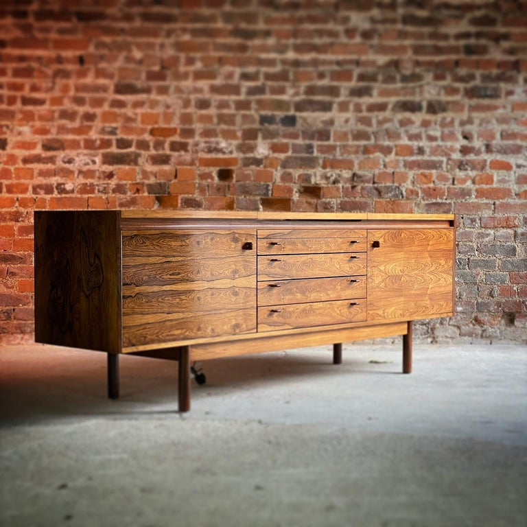 Robert Heritage Granville Rosewood Sideboard by Archie Shine, Circa 1969 7