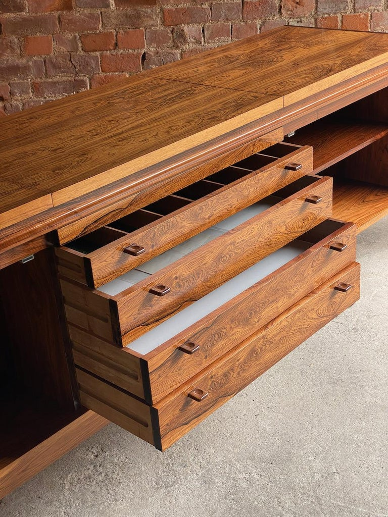 Robert Heritage Granville Rosewood Sideboard by Archie Shine, Circa 1969 1