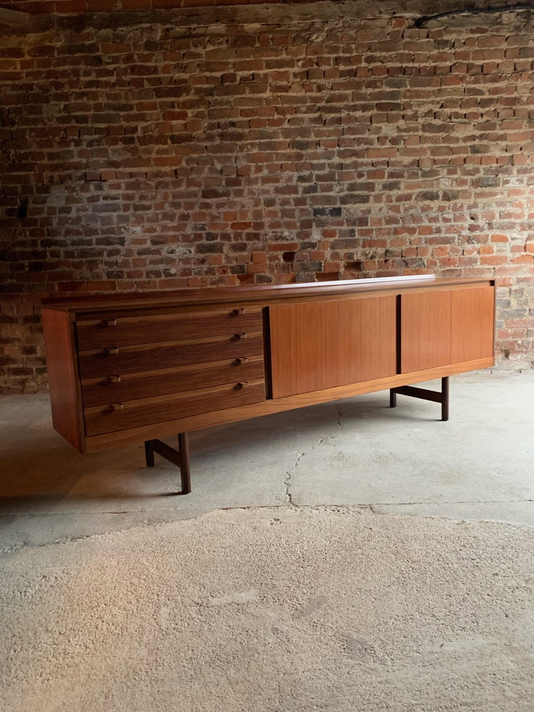 English Robert Heritage Knightsbridge Teak Sideboard Credenza by Archie Shine 1960s For Sale