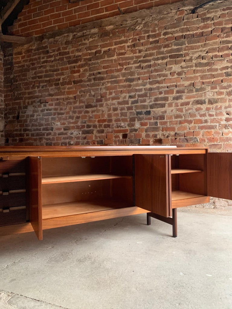 Robert Heritage Knightsbridge Teak Sideboard Credenza by Archie Shine 1960s For Sale 1