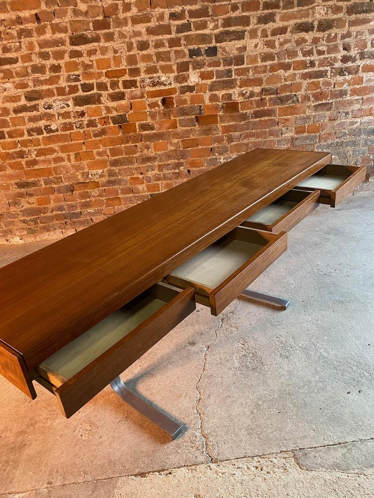Robert Heritage Planar Teak Console Table for Archie Shine, circa 1960s 1