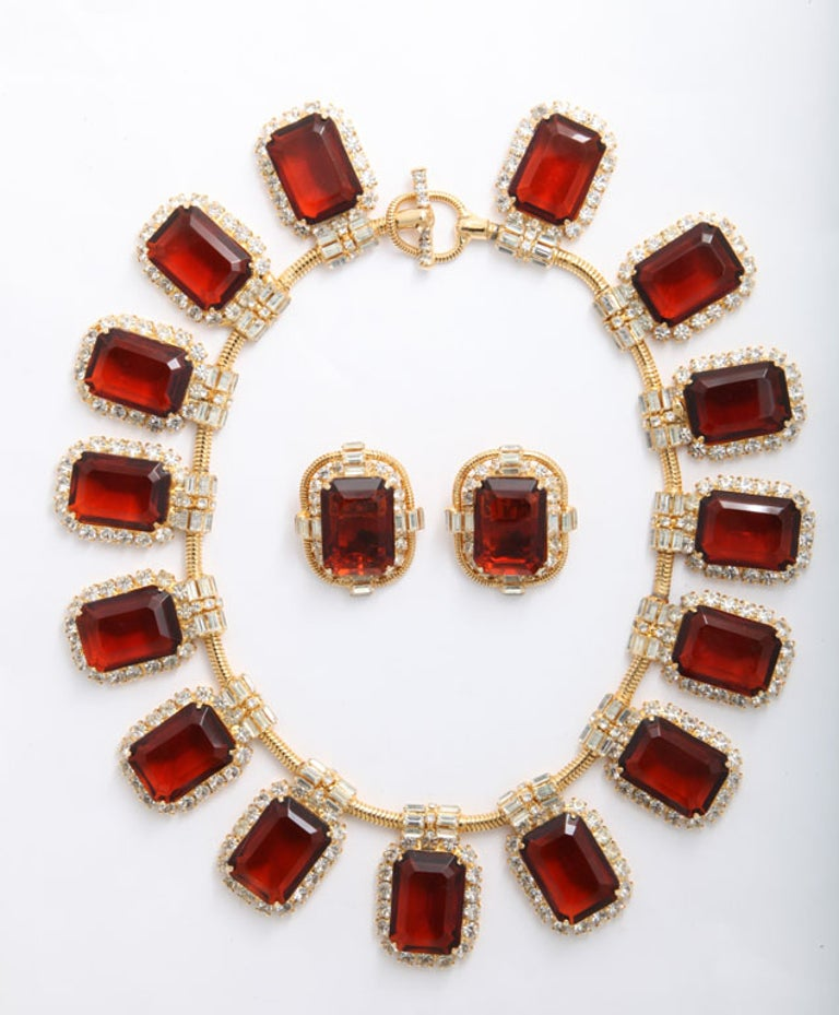 Beautiful vintage Robert Sorrell Necklace and earrings in Amber. Necklace length 17.5