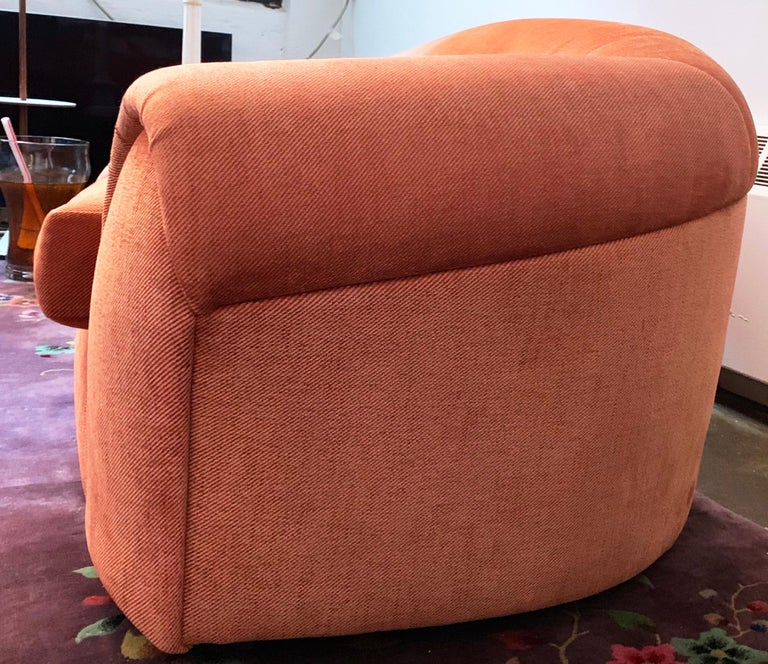 Robert Venturi Knoll 'Grandma' Loveseat Sofa Chenille, 1984, Postmodern Couch In Good Condition For Sale In Brooklyn, NY