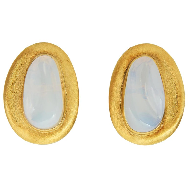 c. 1970 Roberto and Haroldo Burle Marx Forma Livre Moonstone and Gold Earrings For Sale