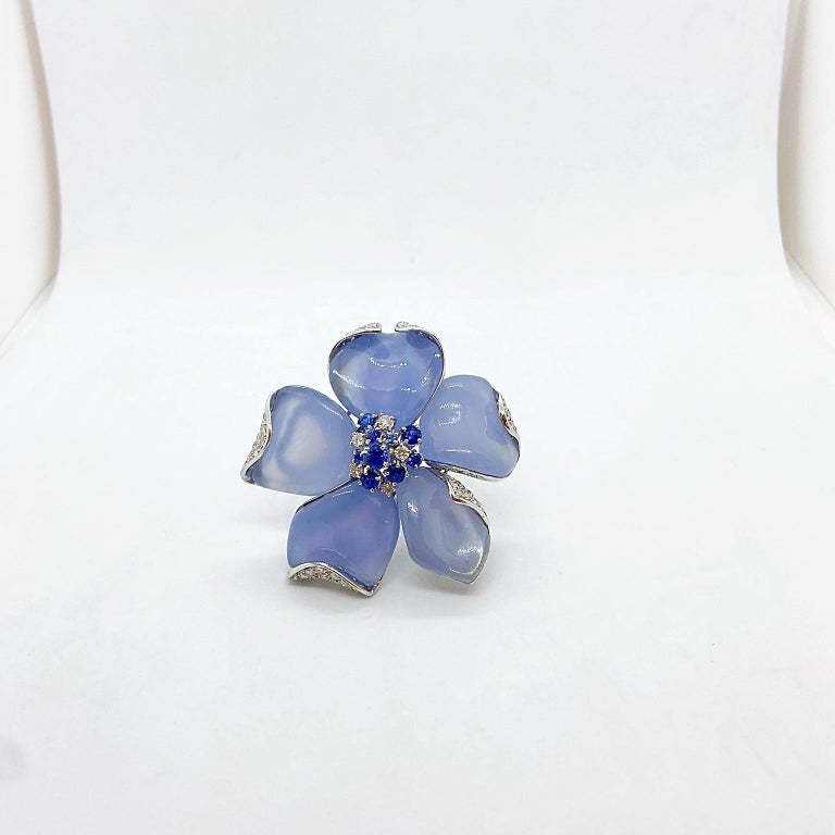 Contemporary Roberto Casarin 18 Karat White Gold Chalcedony, Diamond and Blue Sapphire Brooch For Sale