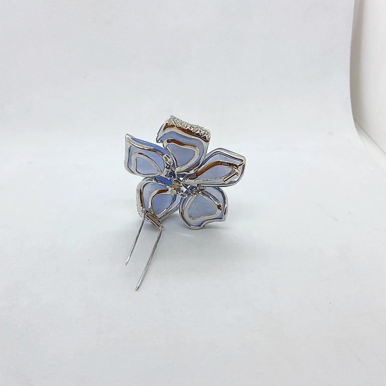 Roberto Casarin 18 Karat White Gold Chalcedony, Diamond and Blue Sapphire Brooch In New Condition For Sale In New York, NY