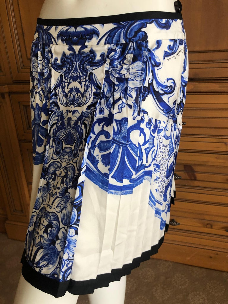 13b2c0cfd8 Women's Roberto Cavalli Blue and White Delft China Trade Pattern Silk  Pleated Skirt 42 For Sale