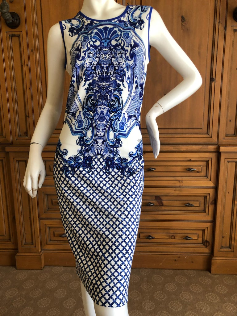 Roberto Cavalli Blue and White Delft China Trade Pattern Sleeveless Shift Dress This is so pretty Size 44  Bust 36