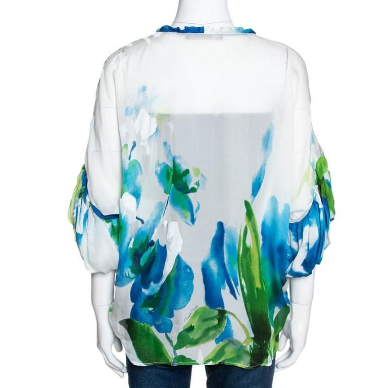 Roberto Cavalli Blue Printed Silk Gathered Sleeve Sheer Blouse M In Good Condition For Sale In Dubai, Al Qouz 2