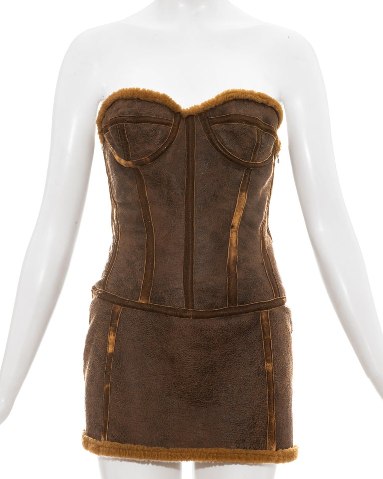 Roberto Cavalli brown distressed leather shearling mini dress, fw 2003 In Good Condition For Sale In London, GB