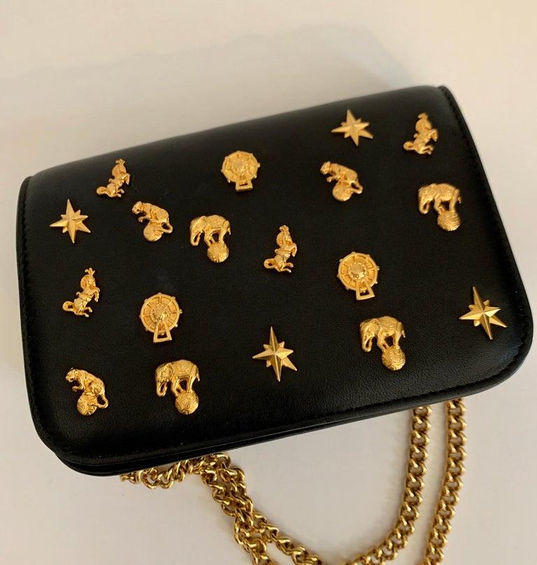 Roberto Cavalli Circus Purse Black Leather Gold Animal Embellishment Chain Strap In Good Condition For Sale In San Francisco, CA