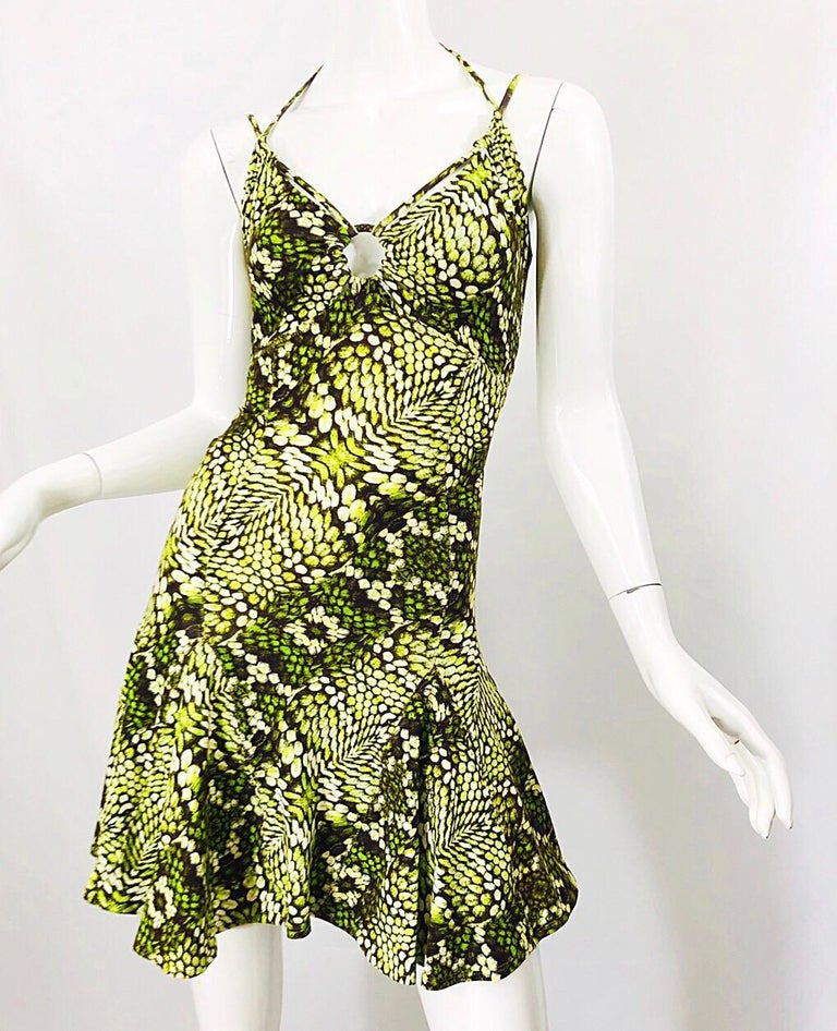 Roberto Cavalli Early 2000s Neon Green Reptile Print Sexy Cut - Out Mini Dress In Excellent Condition For Sale In Chicago, IL
