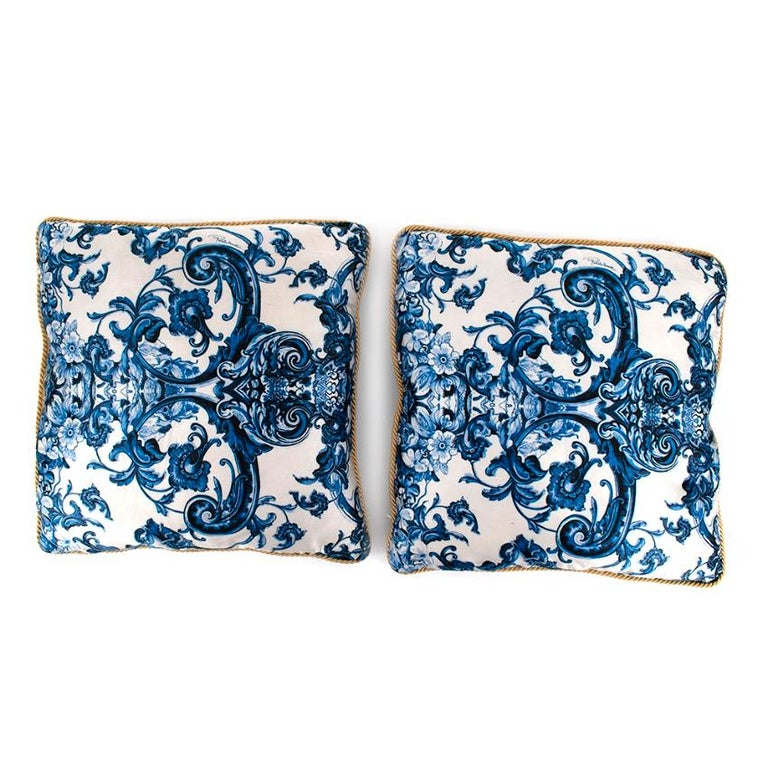 Roberto Cavalli Home Blue Silk Tile Print Set of 2 Cushions In Excellent Condition For Sale In London, GB