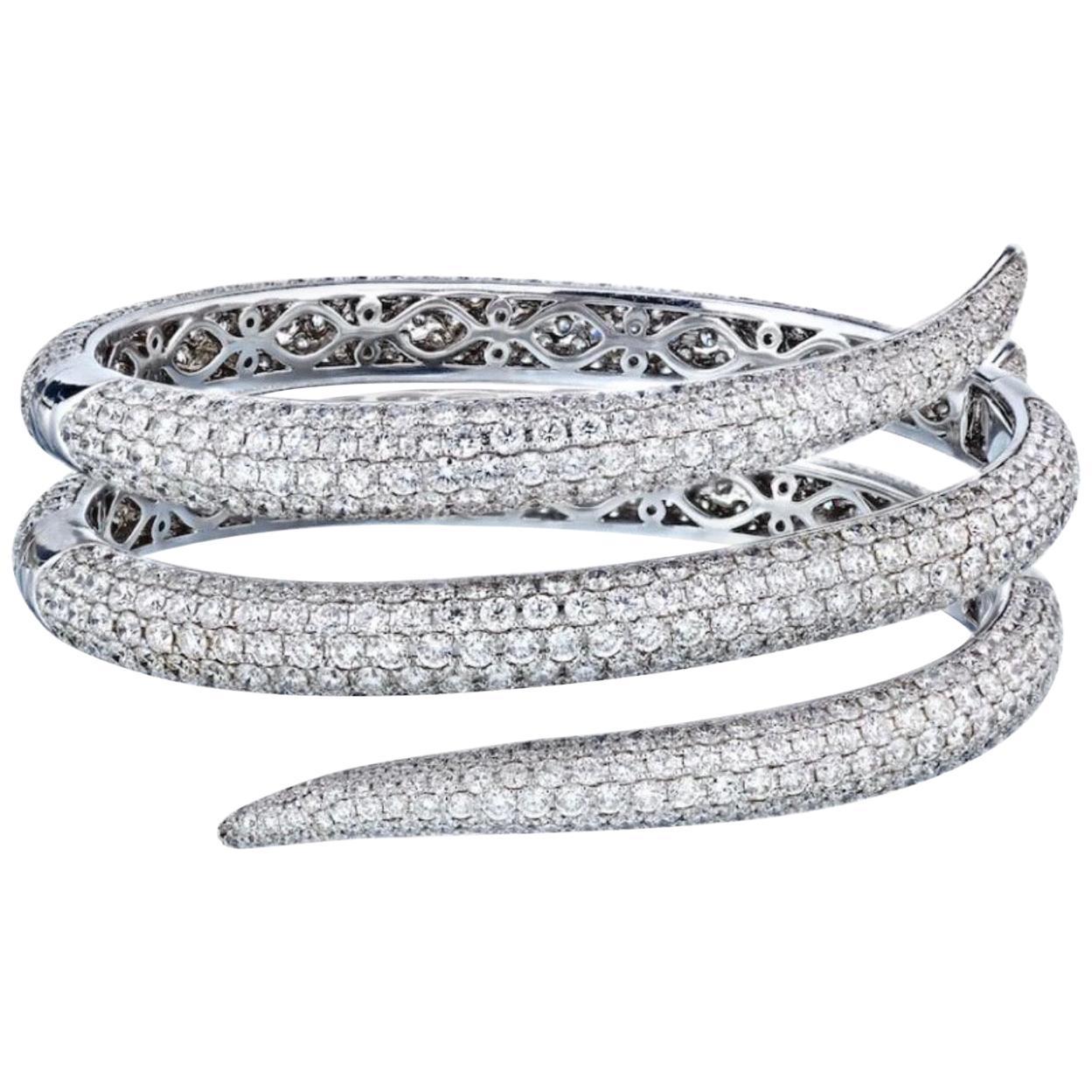 Roberto Coin 18 Karat White Gold 23 Carat Diamond Wrap Around Bangle Bracelet
