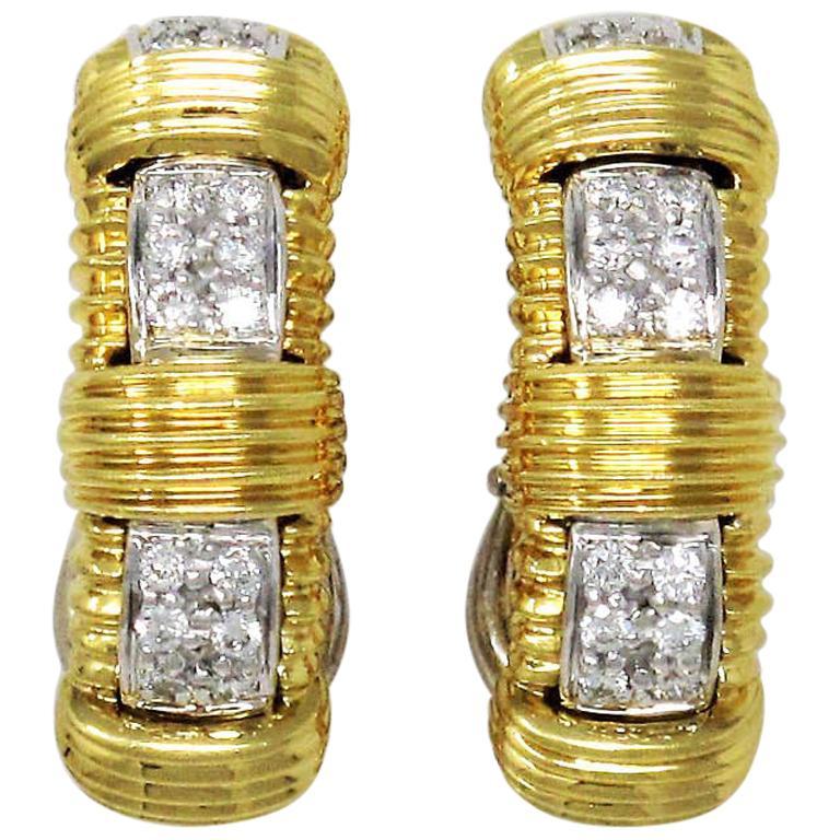 Roberto Coin Appassionata Pave Diamond Half Hoop Earrings 18 Karat Gold