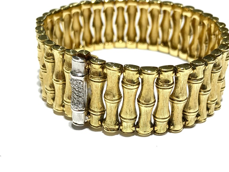 Round Cut Roberto Coin Bamboo Bracelet in 18 Karat Yellow Gold For Sale
