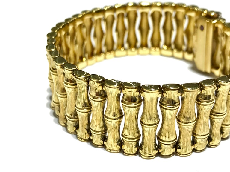 Roberto Coin Bamboo Bracelet in 18 Karat Yellow Gold In New Condition For Sale In Toronto, Ontario