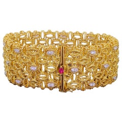 Roberto Coin Barocco 18 Karat Yellow Gold Diamond Classy Bracelet 65 Grams Wrist