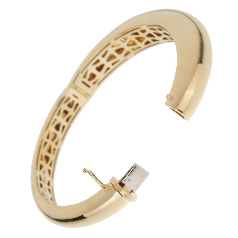 Women's Roberto Coin Capri Diamond Yellow Gold Bangle Bracelet For Sale